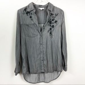 Beachlunchlounge    Floral Embroidered Shirt